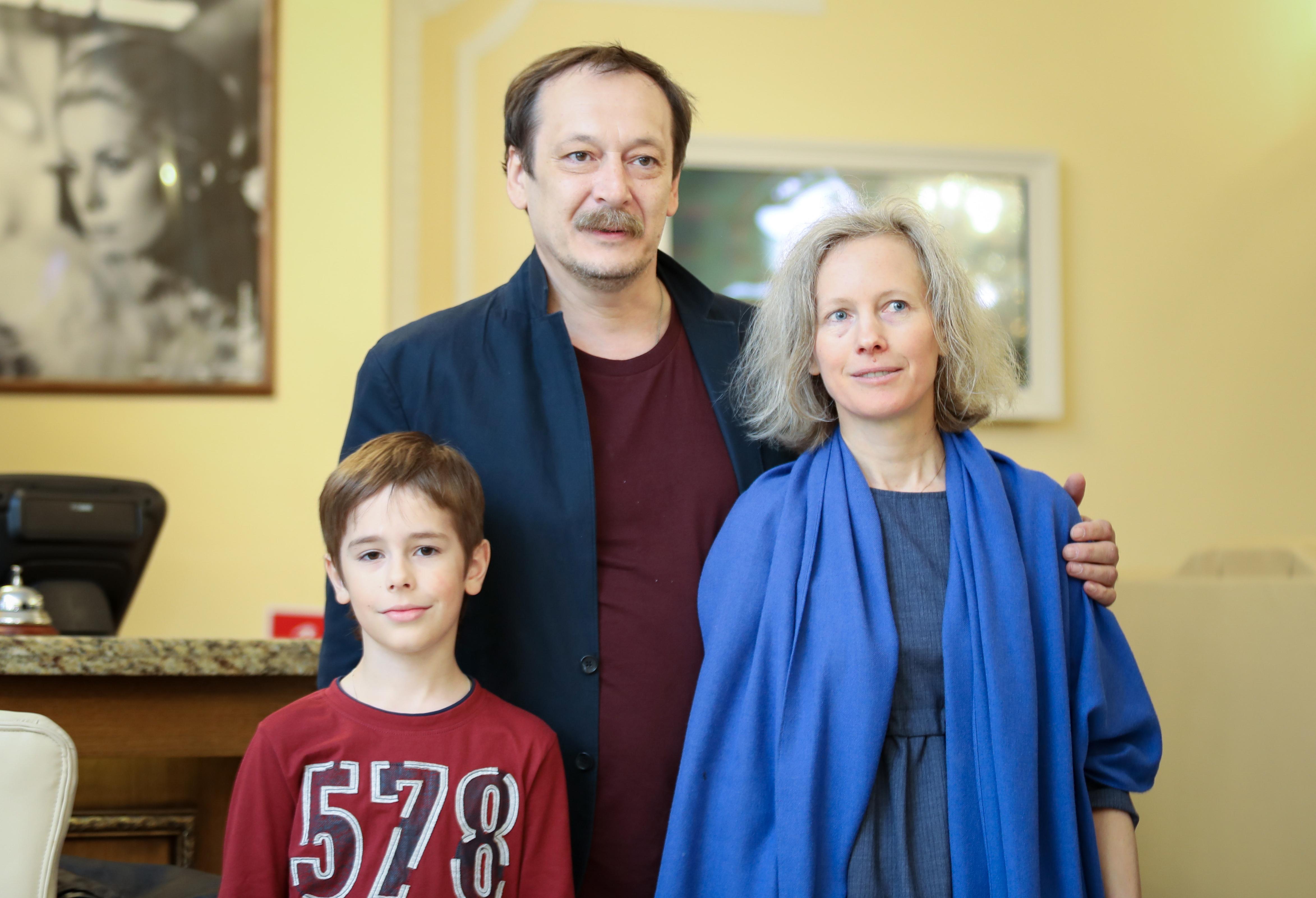Актер Владислав Ветров с Анной Чернаковой